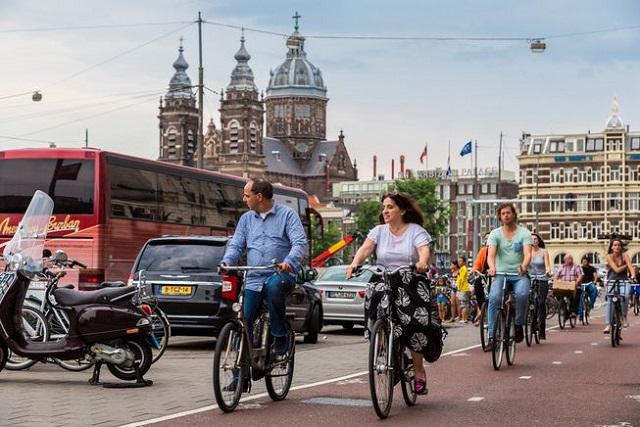 Định cư tại Hà Lan